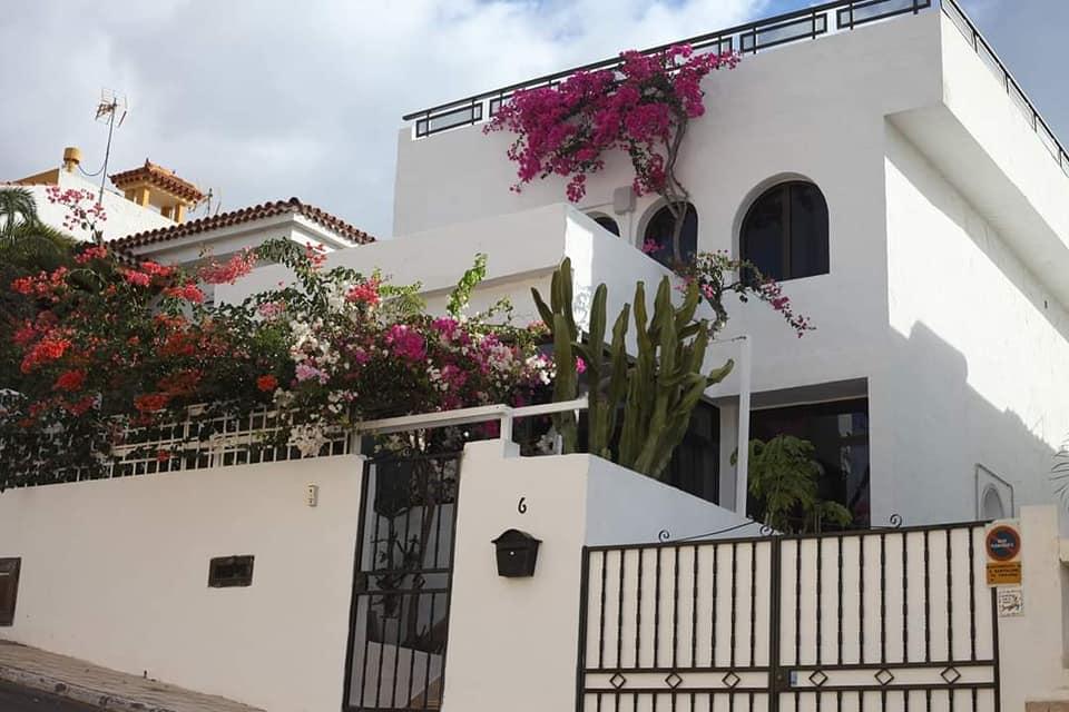 Estupenda villa con licencia de «VIVIENDA VACACIONAL» en regla.